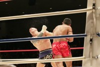 Burma's Tun Tun Min knocks out Australian challenger Adem Yilmaz with a mighty blow on 27 October 2016 in Tokyo.