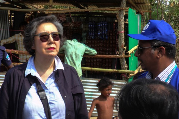 Yanghee Lee, left, the UN special rapporteur on the situation of human rights in Burma, visits the Balu Khali Rohingya refugee camp in Cox's Bazar, Bangladesh, on 21 February 2017. (Photo: AFP)
